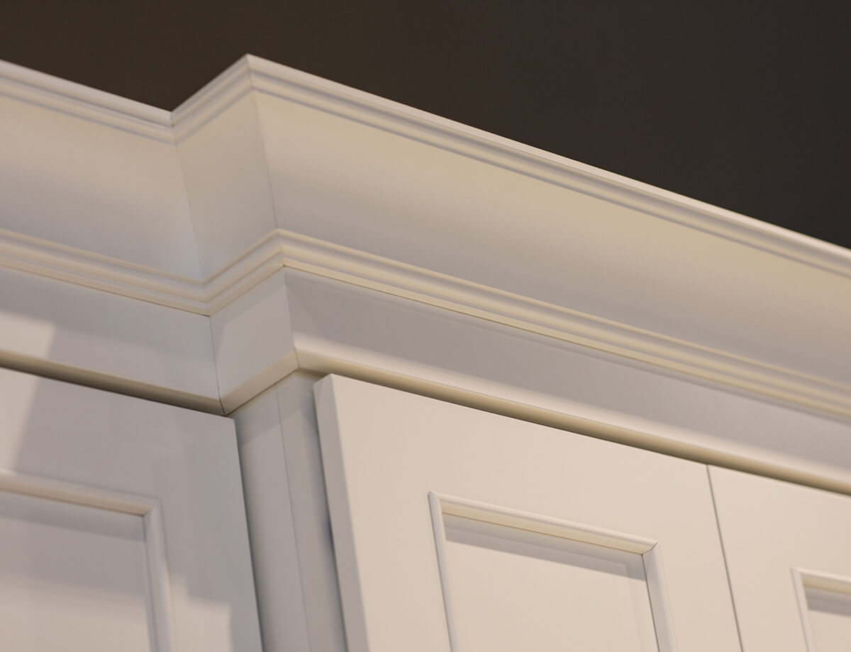 Dura Supreme Cabinetry with beautiful two piece crown molding application.