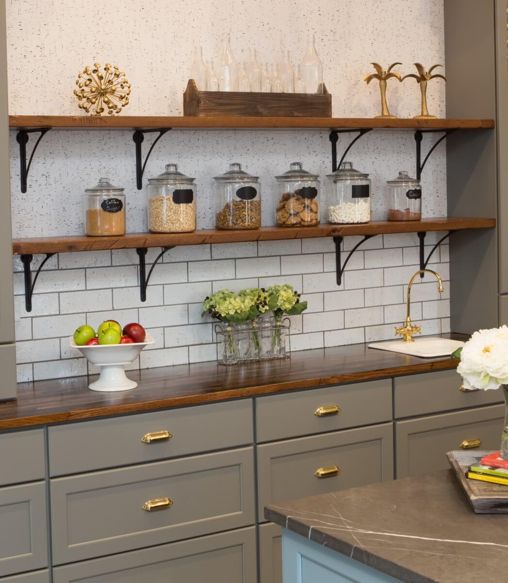 Dura Supreme Cabinetry designed by Michelle Lecinski of Advance Design Studio in Gilberts, IL.