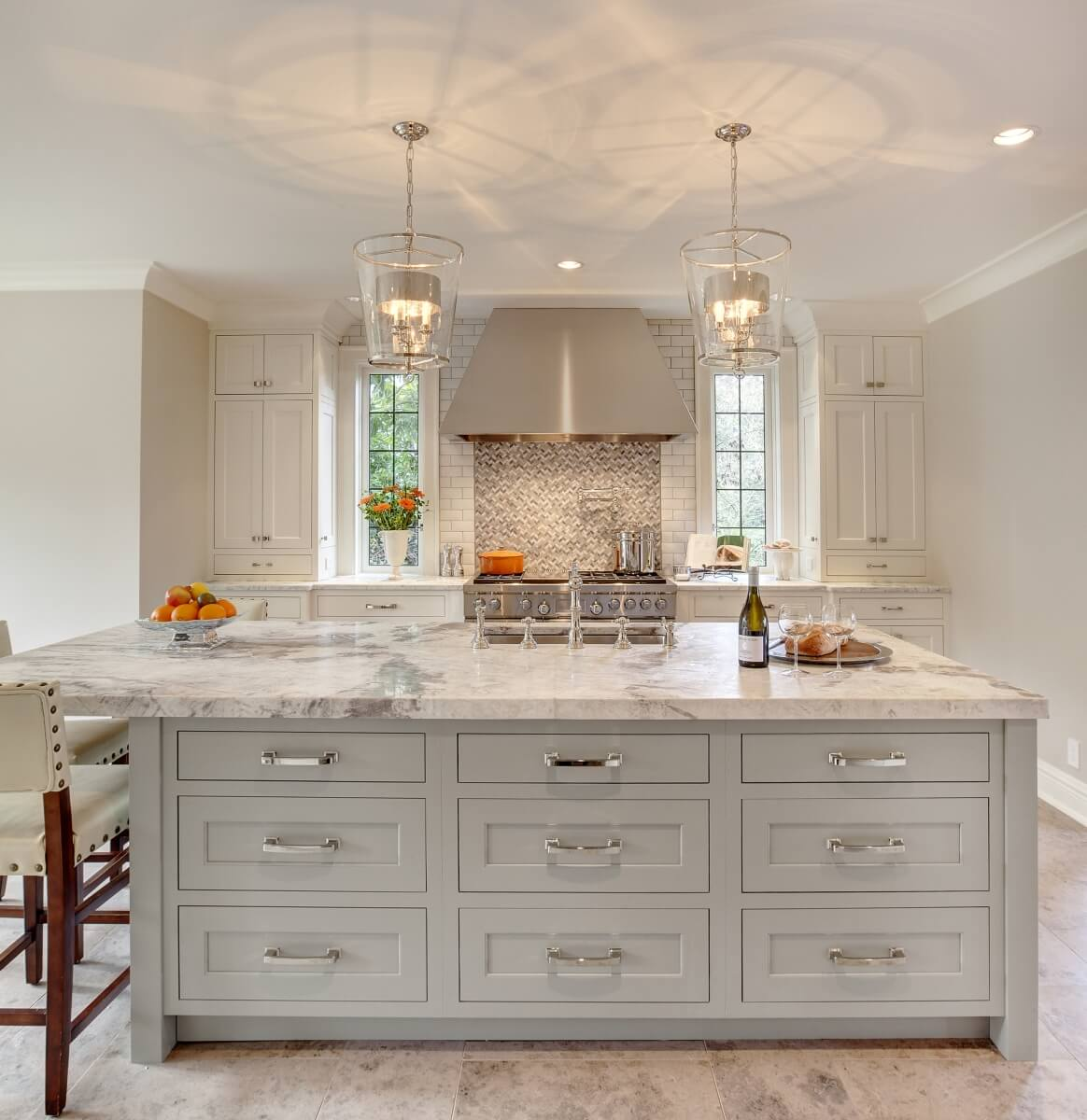 Kitchen Design By Beverly Bradshaw Interiors, Washington. Photography by Tom Marks Photo. Cabinetry by Collaborative Interiors, Washington.