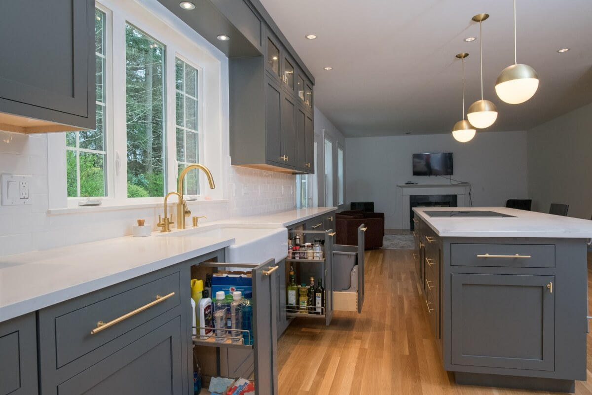 Kitchen design by Molly McCabe, AKBD, CLIPP, CGP, CAPS of A Kitchen That Works, LLC, Washington featuring Dura Supreme Cabinetry.