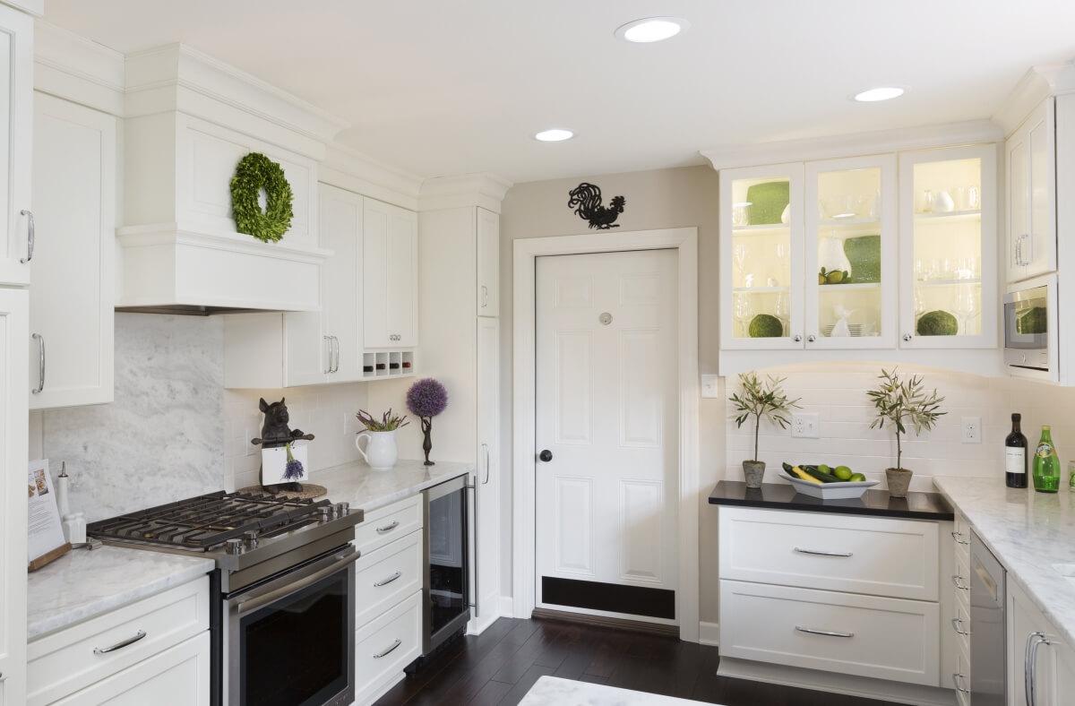 Dura Supreme Cabinetry kitchen design by Gwen Adair of Cabinet Supreme by Adair.