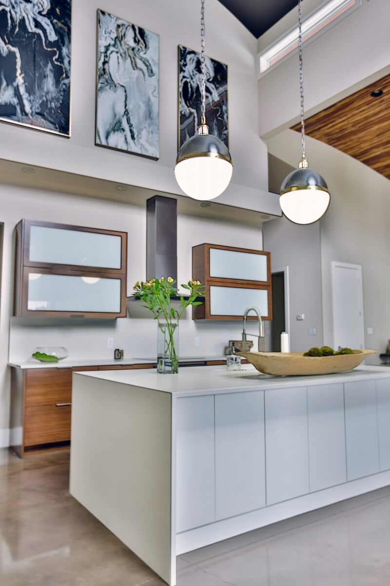 Dura Supreme kitchen design by Tina Holland of Kitchen Sales, Inc., Tennesse. Photography by Red Boat Photography.