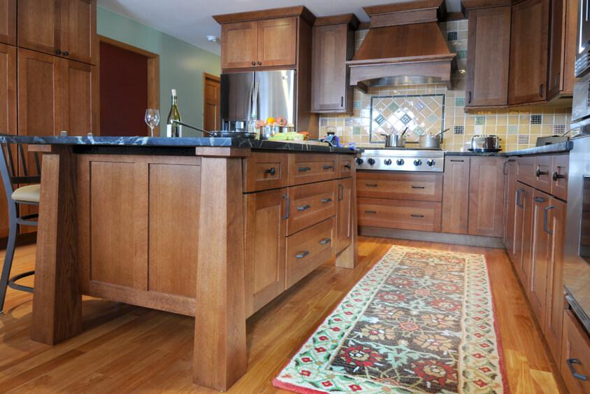 Dura Supreme kitchen design by Dan Luck of Bella Domicile, Wisconsin.