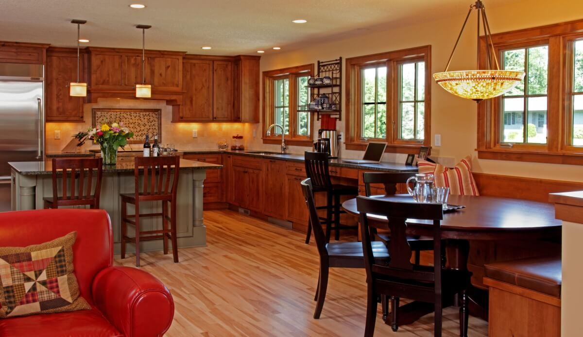 Dura Supreme Craftsman kitchen design by Kristen Peck of Knight Construction Design, Inc., Minnesota.