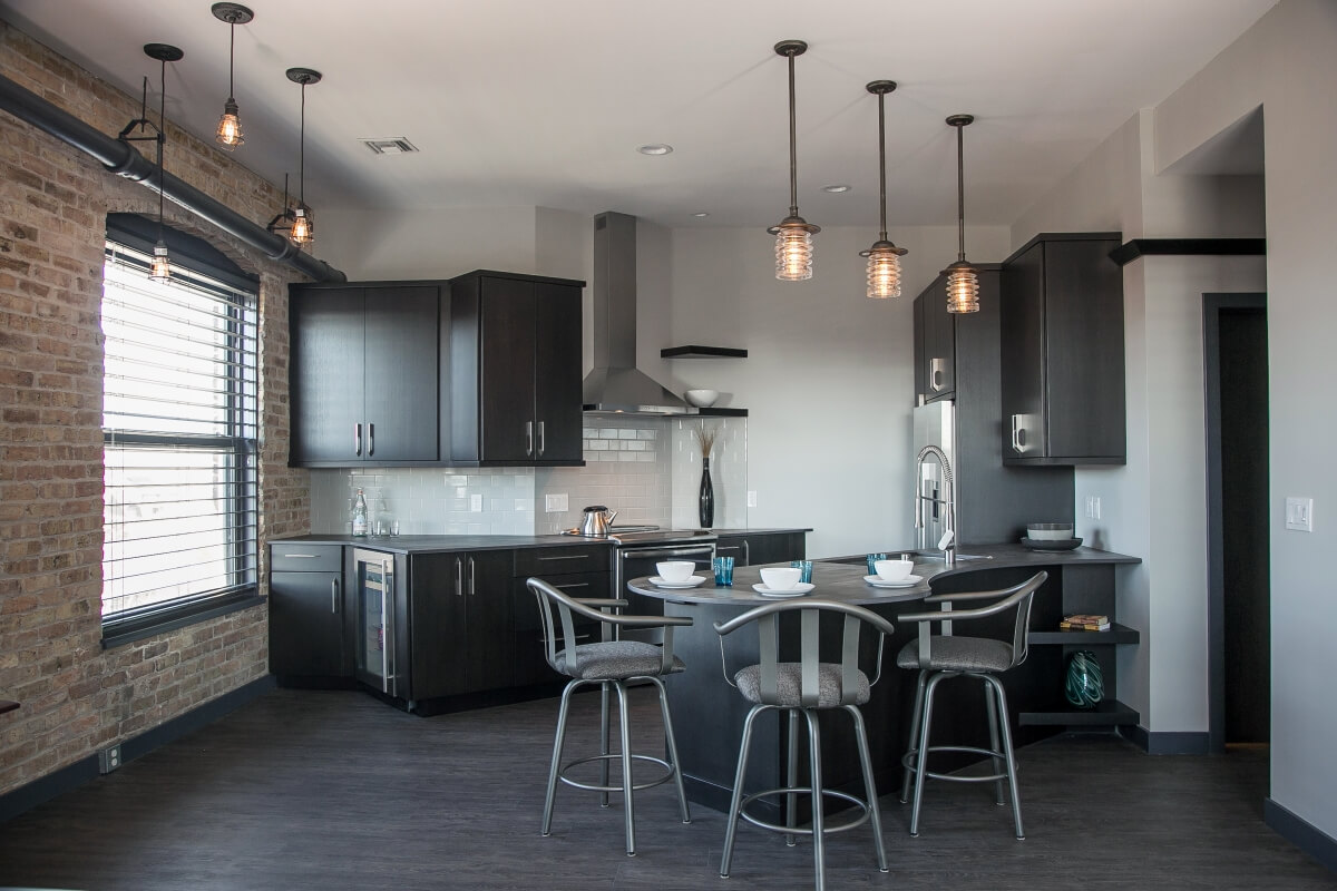 Dura Supreme kitchen design by Dondi Szombatflavy of Bella Domicile, Wisconsin. Photography by Shanna Wolf S.Photography.