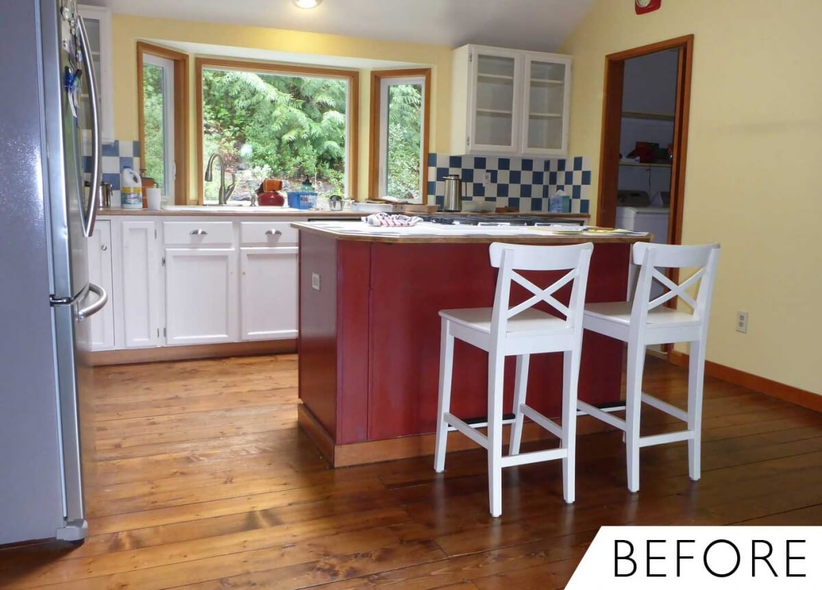 Before photo of a farmhouse kitchen.