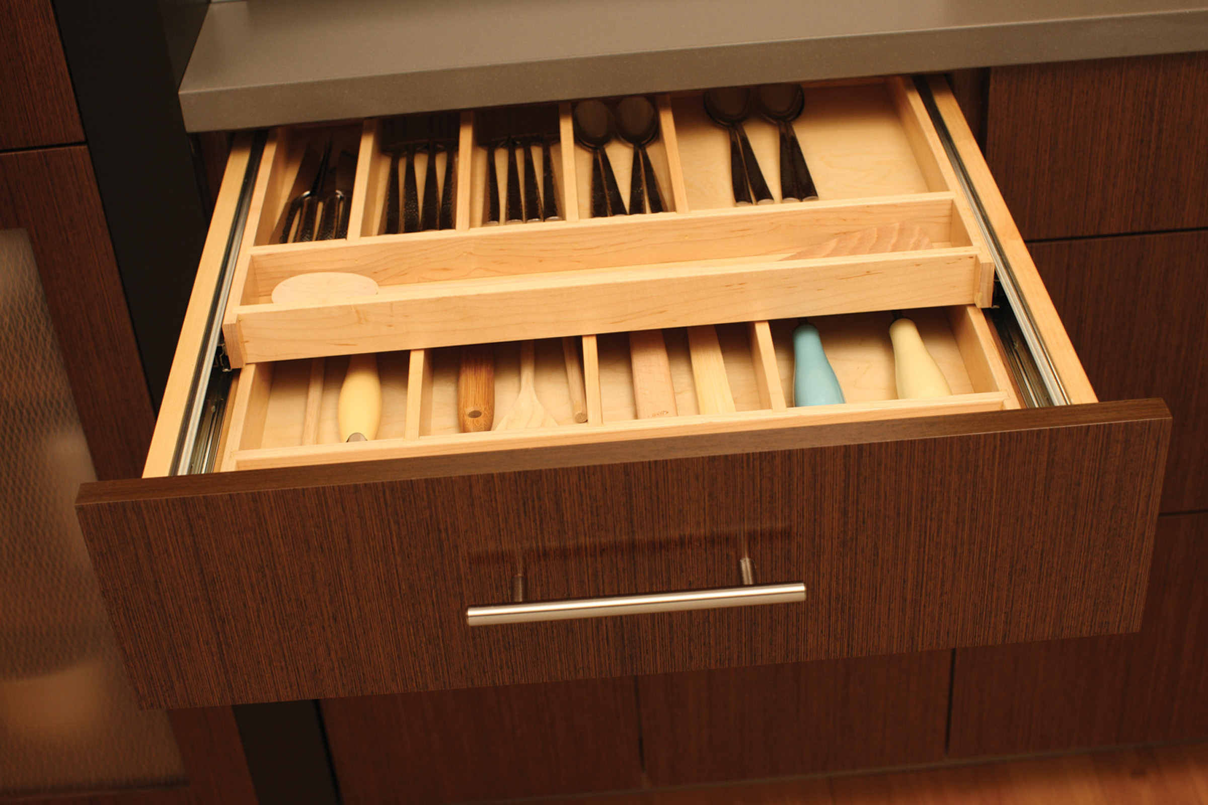 ‰Two-Tier Wood Cutlery Tray Style A