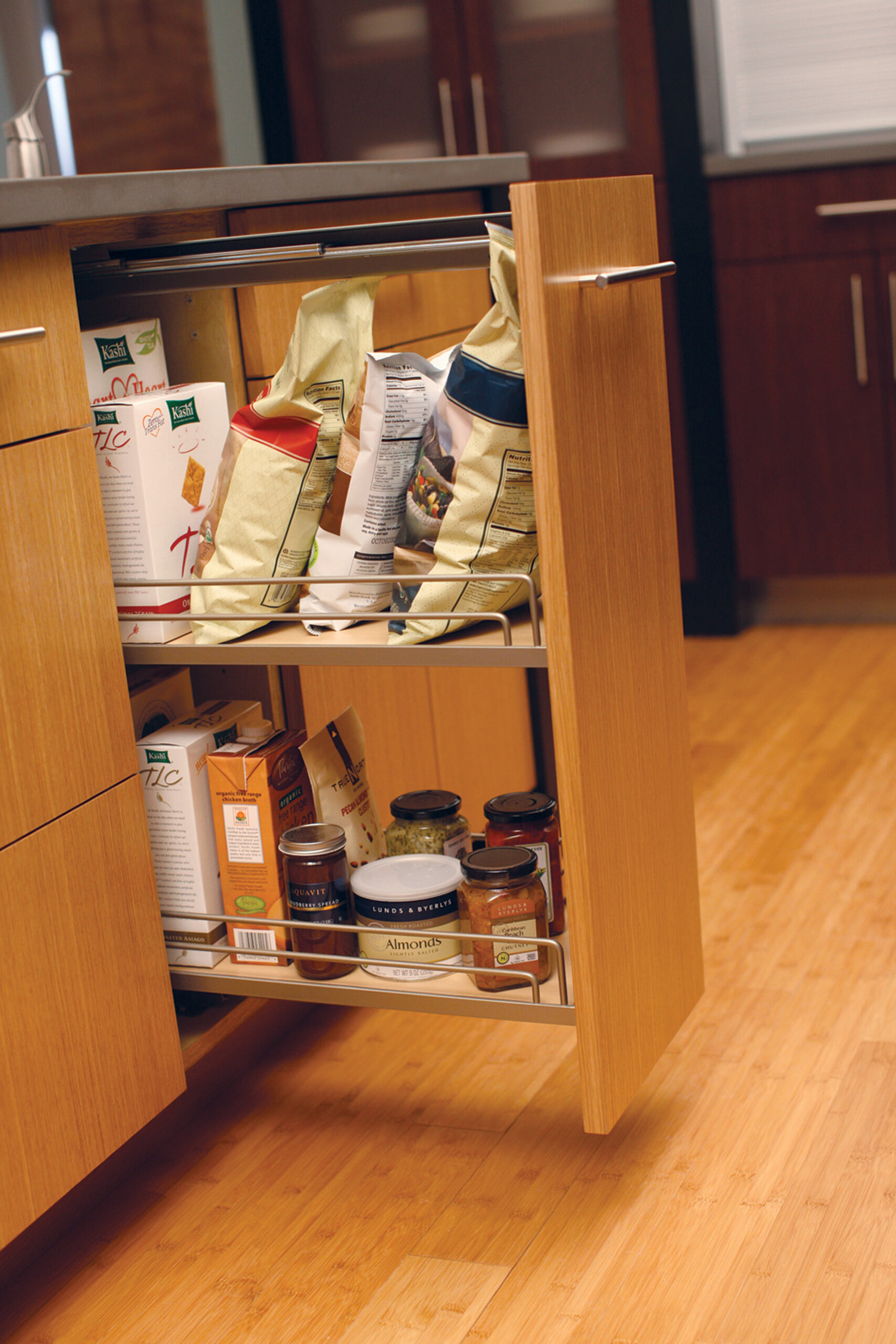 Base Pull-Out Pantry - Wire