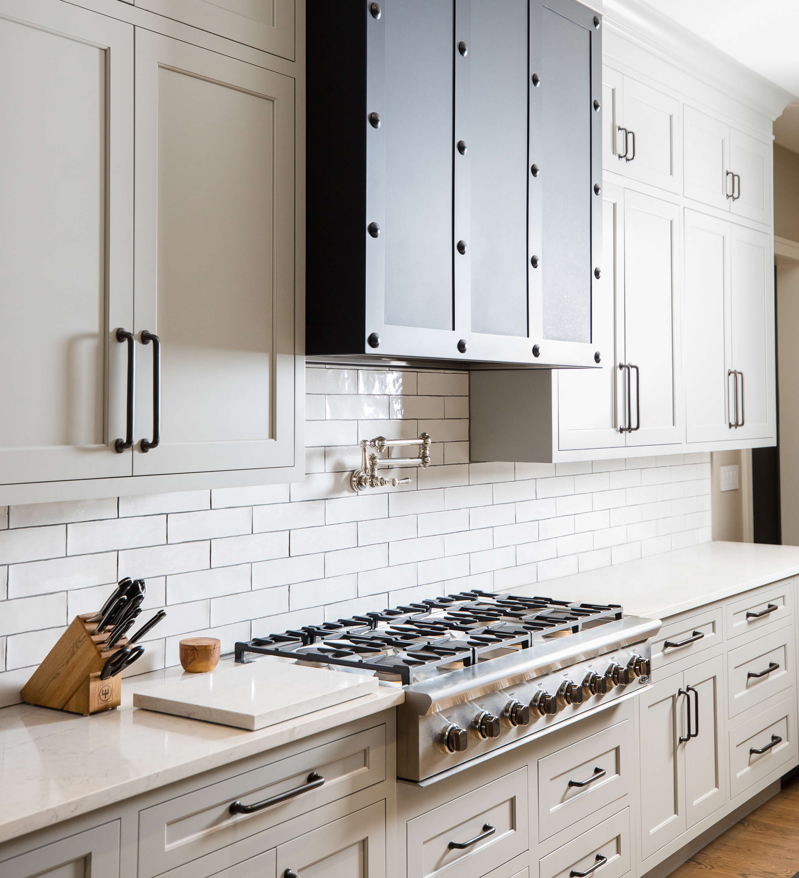 Dura Supreme kitchen design by Mariotti Building Products, Pennsylvania. Photography by Danielle Coons.