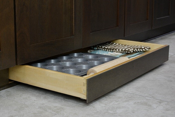 Bakeware stored in Toe Space drawer