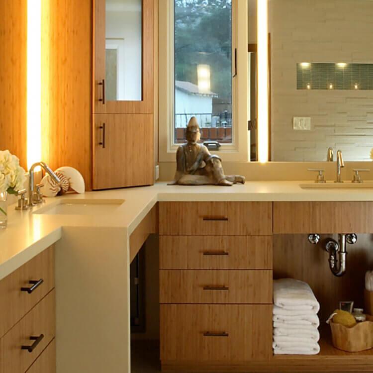 Dura Supreme design by Yuko Matsumoto, CK, CBD of Altera Design & Remodeling, Walnut Creek, CA. Photography by Douglas Johnson Photography.
